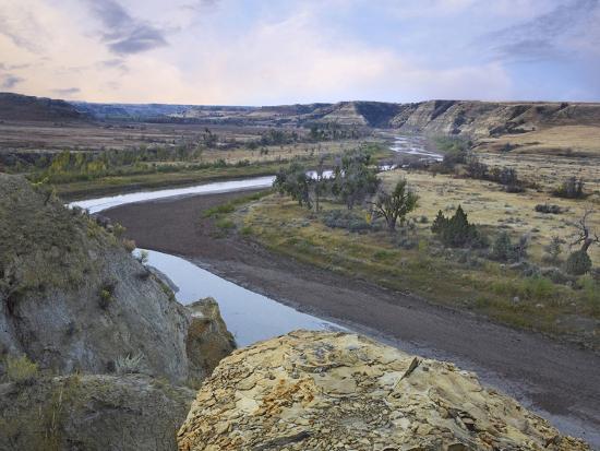 tim-fitzharris-wind-canyon-theodore-roosevelt-national-park-north-dakota