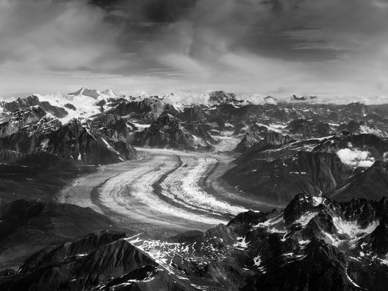 timothy-mulholland-aerial-view-of-the-ruth-glacier-and-the-alaska-range-on-a-sightseeing-flight-from-talkeetna-alaska