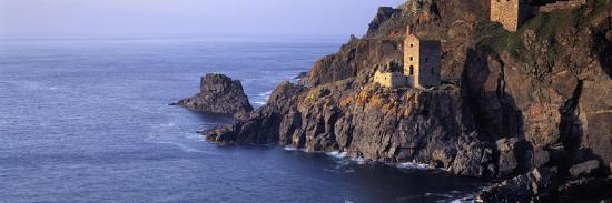 tin-mines-at-the-coast-botallack-mine-cornwall-england