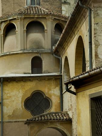 todd-gipstein-architectural-detail-of-italian-buildings-asolo-italy