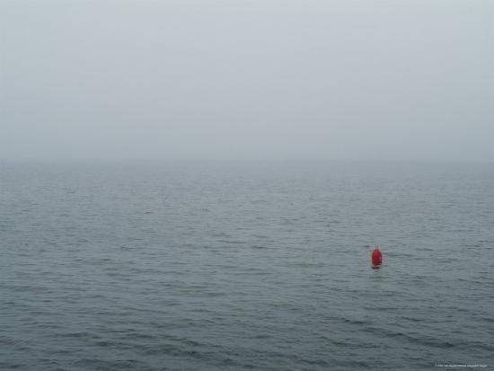 todd-gipstein-red-buoy-floating-on-block-island-sound-in-the-fog-rhode-island