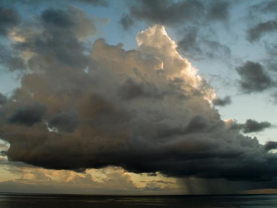 todd-gipstein-storm-cloud-drifting-over-the-caribbean-sea