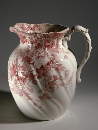 toilet-set-with-floral-decoration-porcelain-detail-great-britain