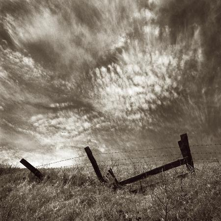 tom-marks-intense-clouds-on-the-horizon