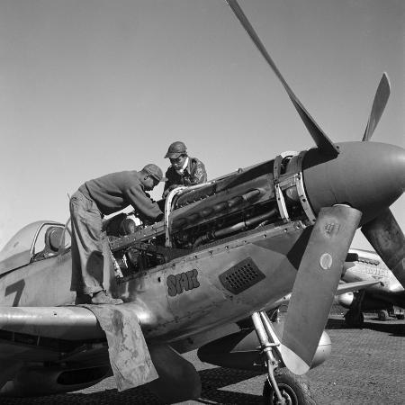 toni-frissell-tuskegee-airmen-1945