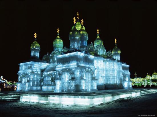 tony-waltham-ice-sculptures-in-taiyangdao-park-at-night-bingdeng-jie-heilongjiang-china