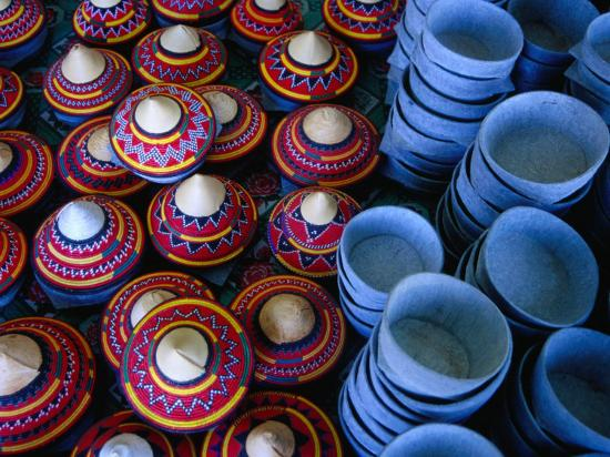 tony-wheeler-locally-made-baskets-and-ceramic-bowls-for-sale-in-najran-basket-souq-najran-asir-saudi-arabia