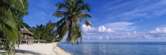 tourist-resort-on-the-beach-matira-beach-bora-bora-french-polynesia