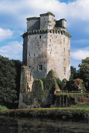 tower-of-largoet-castle