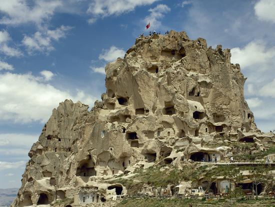 turkey-cappadocia-uchisar-cave-house-central-anatolia