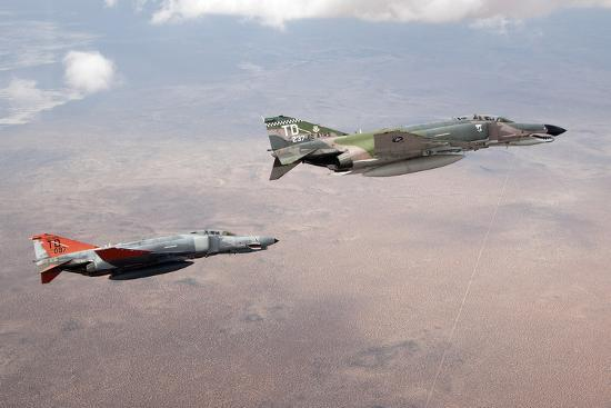 two-qf-4e-phantom-ii-drones-in-formation-over-the-new-mexico-desert