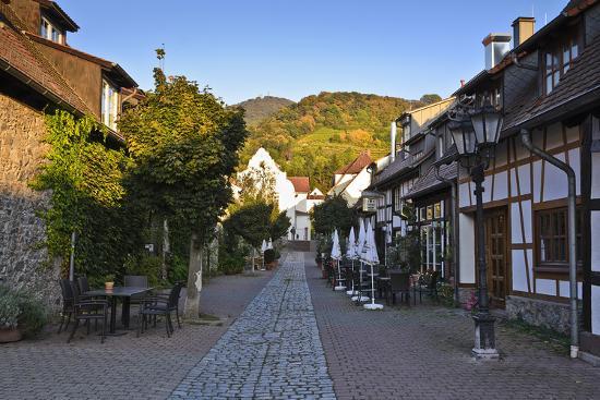 udo-siebig-germany-hesse-odenwald-region-bergstra-e-region-zwingenberg-scheuergasse