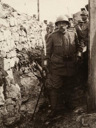 ugo-ojetti-general-elia-inside-a-trench-with-a-group-of-soldiers-the-photo-was-taken-may-1916