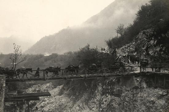ugo-ojetti-italian-soldiers-traverse-a-bridge-over-the-isonzo-river-on-the-outskirts-of-caporetto