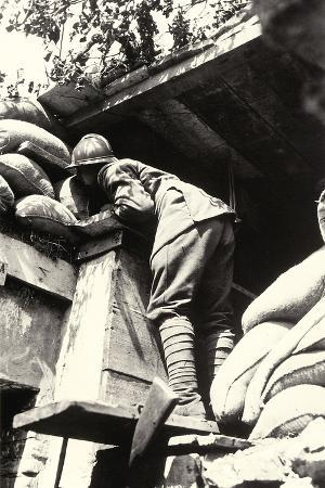 ugo-ojetti-soldier-on-the-lookout-in-the-factory-adriawerke-of-monfalcone-during-world-war-i