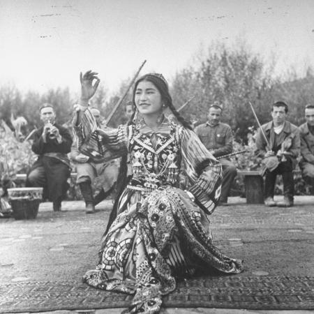 uighur-dancer-performing-to-music