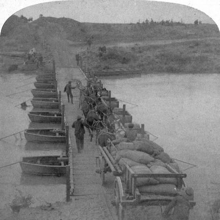 underwood-underwood-pontoon-bridge-across-the-modder-river-boer-war-south-africa-1900