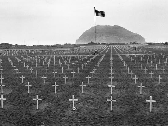 us-marine-cemetery-on-iwo-jima
