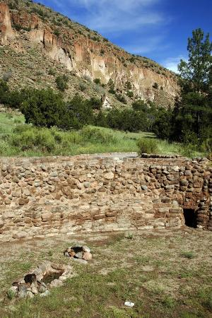 usa-near-los-alamos-new-mexico-bandelier-national-monument-big-kiva