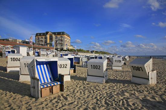 uwe-steffens-beach-chairs-on-the-beach-in-front-of-the-hotel-miramar-in-westerland-on-the-island-of-sylt