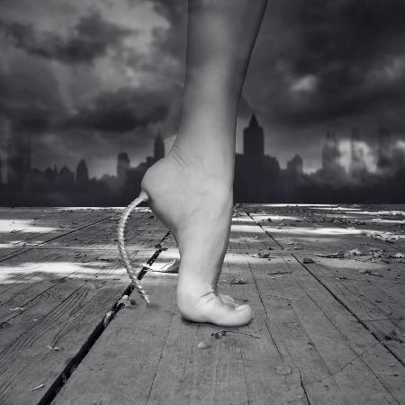 valentinaphotos-fantasy-female-feet