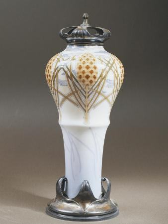 vase-decorated-with-floral-motifs-1897