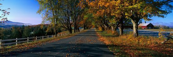 vermont-country-road-in-autumn