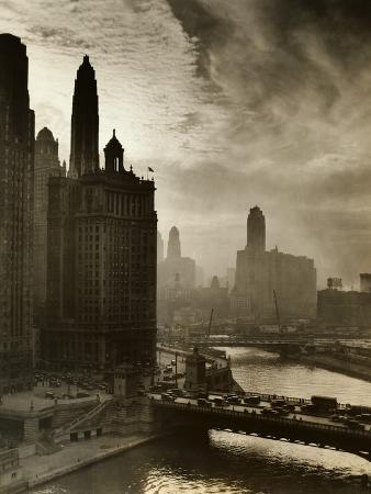 view-of-chicago-sky-and-skyscrapers