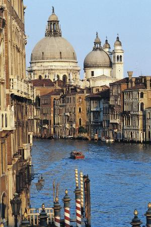 view-of-grand-canal-with-basilica-of-saint-mary-of-health