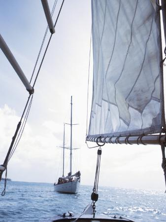 view-of-sparkling-ocean-from-sailboat-in-martinique