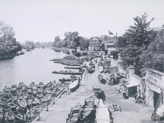 view-of-the-river-thames-and-boats-c1900