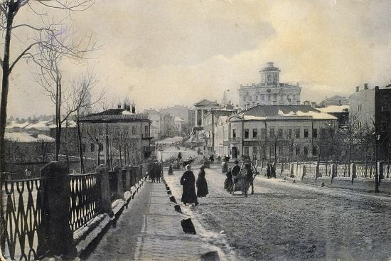view-of-znamenka-street-in-winter-moscow-russia-early-20th-century