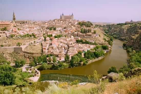 view-overlooking-the-tagus-river-and-toledo-spain