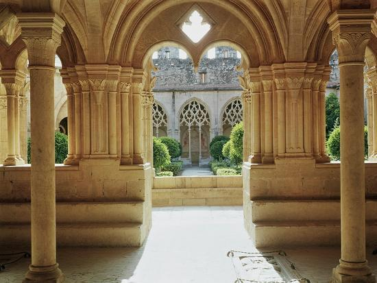 view-towards-the-cloister-from-the-chapter-house-12th-13th-century