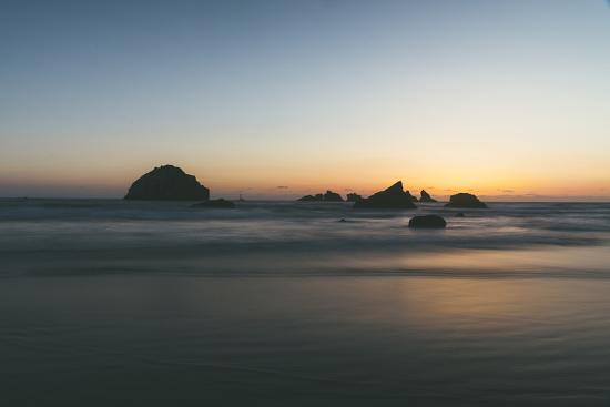 vincent-james-bandon-sunset-silhouettes-oregon-coast