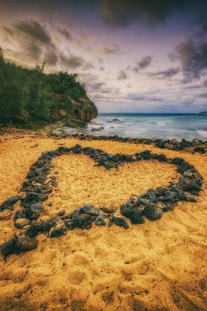 vincent-james-beach-love-south-kauai-poipu-hawaii