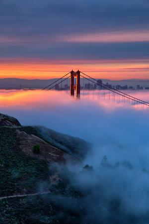 vincent-james-divine-sunrise-light-and-fog-golden-gate-bridge-san-francisco