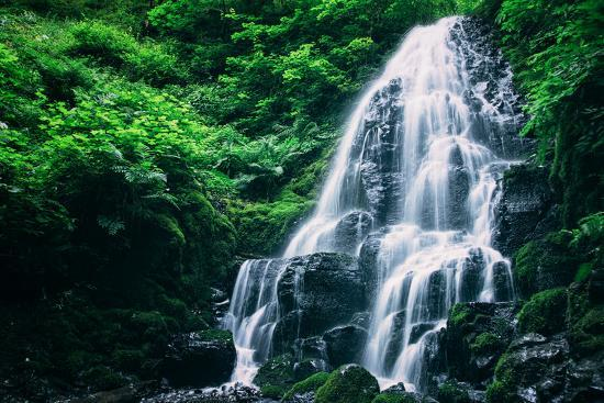 vincent-james-ethereal-fairy-falls-columbia-river-gorge-oregon