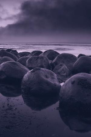 vincent-james-moody-bowling-ball-beach