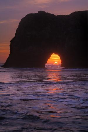 vincent-james-sunset-seascape-at-elephant-rock-mendocino-coast-california
