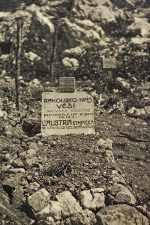 vincenzo-aragozzini-visions-of-war-1915-1918-cemetery-in-a-war-zone-with-inscription