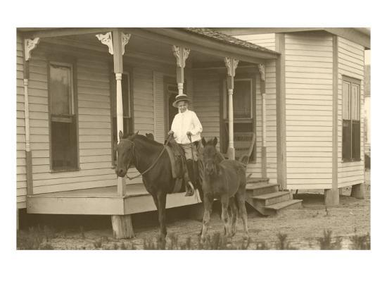 vintage-farmhouse-with-horses