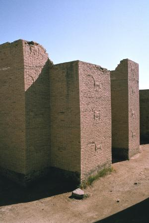 vivienne-sharp-ishtar-gate-babylon-iraq