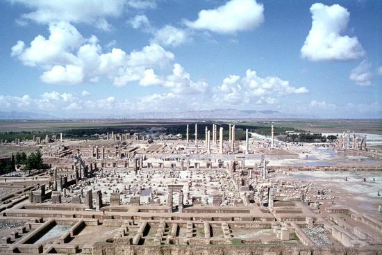 vivienne-sharp-panorama-of-the-ruins-of-persepolis-iran