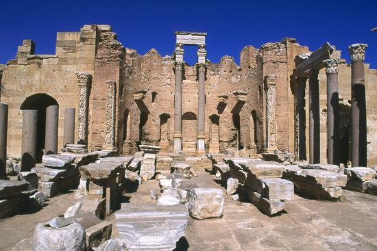 vivienne-sharp-severan-basilica-leptis-magna-libya-216-ad