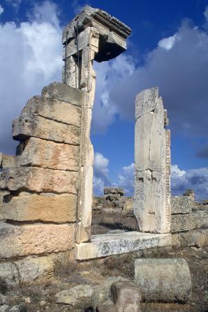 vivienne-sharp-temple-doorway-cyrene-libya