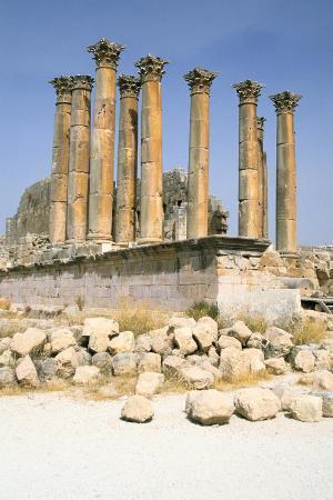 vivienne-sharp-temple-of-artemis-jerash-jordan