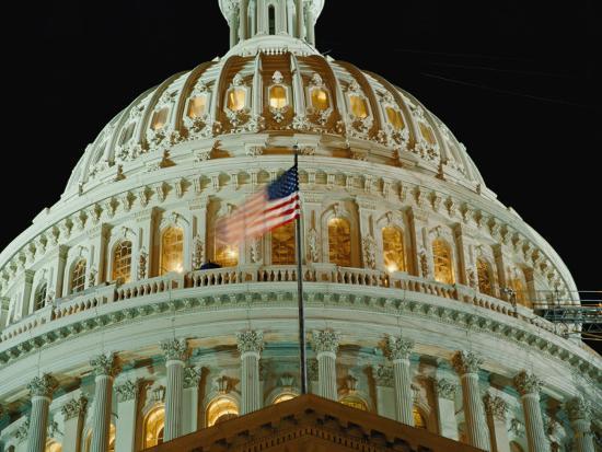 vlad-kharitonov-night-view-of-the-illuminated-dome-of-the-capitol-building