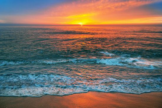 vrstudio-beautiful-cloudscape-over-the-sea-sunrise-shot