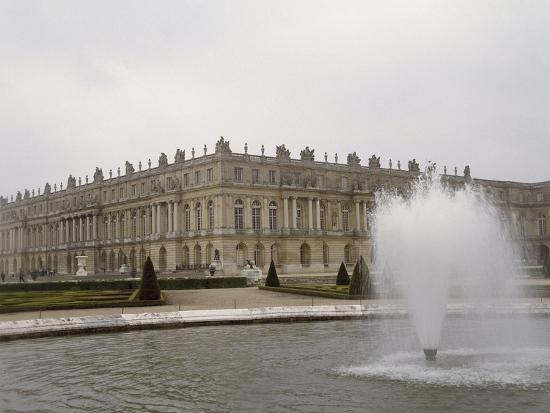 vue-exterieure-cote-parc-facade-centrale-et-angle-sud-ouest